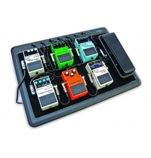 SKB Powered Pedalboard